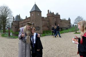 Harry Potter fans te gast op kasteel Doornenburg