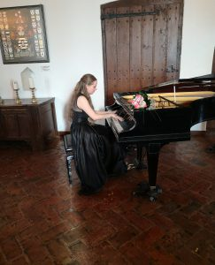 Prachtig piano recital in Kasteel Doornenburg